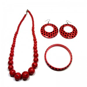 Collar y pendientes de sevillana andaluza de plastico rojo con lunares negros