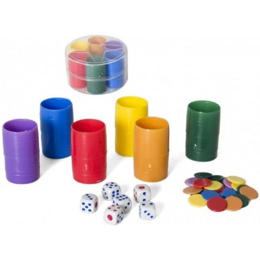 6 Cubiletes de colores con fichas y dados con caja
